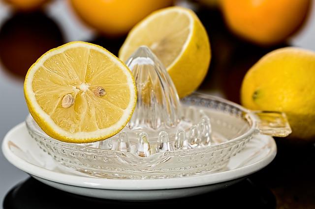 Sok od limuna za nokte
