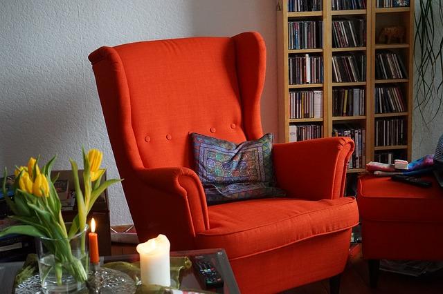 fotelja za čitanje